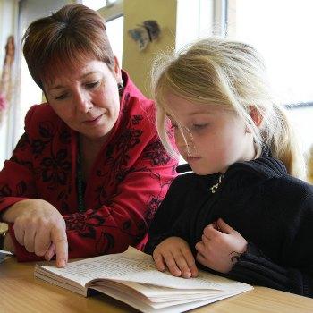 reading-kids-sibs