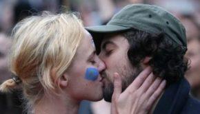 Kiss Virus